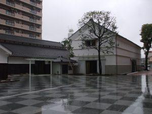 左:大正蔵,右:昭和蔵